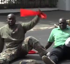 Palais de la République / Les invalides de guerre bloquent la circulation et avertissent…