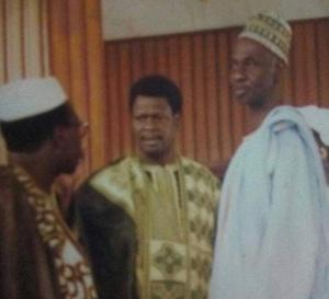 Al Makhtoum en compagnie de El Hadj Médoune Thiam et son frère Mass Thiam;