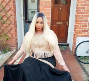 Eliza Ndoye la patronne de ELIZA FASHION le coin adoré des stars et VIP à Londres étale sa classe.