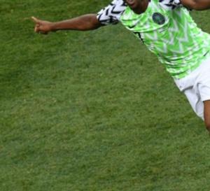 Le Nigéria bat l'Islande (2-0) et relance le suspense dans le groupe D