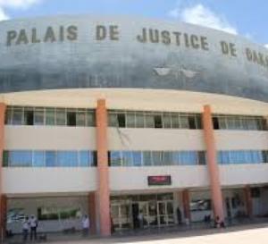 Outrage à agent : La nièce du Général Ousmane Sall électrocute un policier