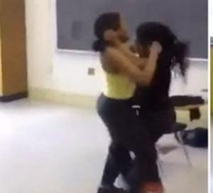 Incroyable bagarre à Ziguinchor - Deux jeunes filles, en classe de Terminale, se battent dans la rue pour un « lover boy »