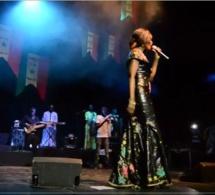 VIDEO: Chaude ambiance au Sorano avec la diva Coumba Gawlo. Regardez