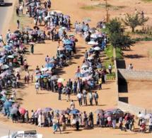 En images des élections en Gambie.