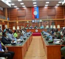 Gambie : les chefs de la défense de la CEDEAO se sont vus à Abuja au sujet de l'impasse politique gambienne