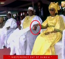 Fatoumata Barrow, awo de Adama Barrow toute souriante après l'annonce de…