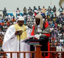 Adama Barrow libère tous les détenus sans jugement