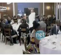 Vidéo - Youssou Ndour et Coumba Gawlo Seck mangent à une même table...