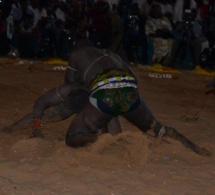 Vivez les temps forts du combat Tidiane Faye Diokel soldé par une victoire de Diokel sur décision arbitrale