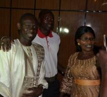 """Les premiéres images du """"Gala diner show"""" avec Pape Diouf et la génération consciente en Gambie."""