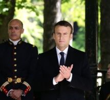 Découvrez le prix du costume d'Emmanuel Macron pour la passation de pouvoir