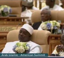 Sommet de Riyad : le président gambien Adama Barrow dort pendant le discours de Donald Trump