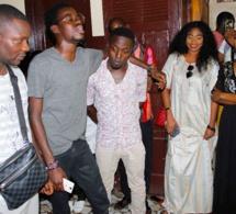 Ndogou organisé par les fans du groupe Safary, Regardez