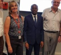 """Abdou Mbow sort de sa soutenance à Sciences Po de Paris avec une mention """"Très Bien"""""""