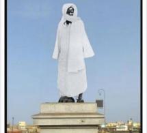 La statue de Faidherbe s'écroule et provoque des réactions hostiles