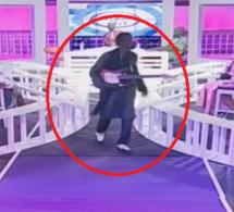 (Vidéo) Quand Souleymane Faye , en colère, boude en direct le plateau de Tout est là !