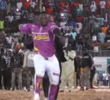 (Vidéo) Lutte : Ama Balde explose Iba Mar Diop avec ses « Bakk » !