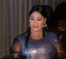 Amy Dieng Princesse Sophie Shop toute classe et élégante au Gala Tapis Rouge de la collection Mata Style.