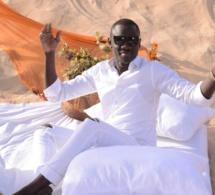 Vidéo : Incroyable – Pape Diouf bat un record impressionnant dans la musique sénégalaise !