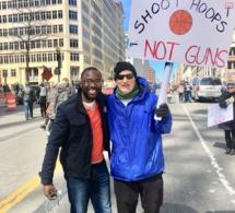 En images, les Américains dans la rue pour protester contre la loi sur l'octroi des armes à feu.