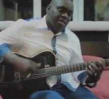 « Fii tchi adounia keen deukkou fi » : le clip posthume de Habib Faye