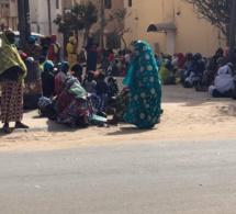 """""""SOUKAROU KOOR"""" : Des centaines de femmes envahissent le domicile du ministre Moustapha Diop"""