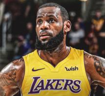 Coup de tonnerre : LeBron James rejoint les Los Angeles Lakers pour 154 millions de dollars sur quatre saisons.