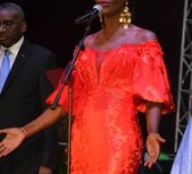 FÉTE DE LA REVOLUTION FRANÇAISE , la Diva Coumba Gawlo met son sel à la résidence de l'ambassade à Dakar devant Christophe Bigot