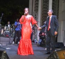 Fête du 14 juillet : Coumba Gawlo fait danser le Mbalax aux français et à l'ambassadeur de France
