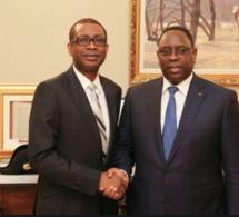Ass Ndiaye Fekké Ma Ci Bolle Italie: Le chanteur Youssou Ndour ne badine pas pour la réélection du président Macky Sall à l'élection présidentielle de 2019.