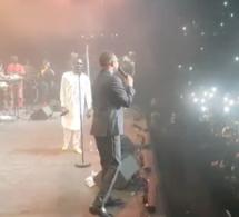 Youssou Ndour et Pape Diouf régalent le public à Accor hôtel Aréna Paris Bercy.REGARDEZ