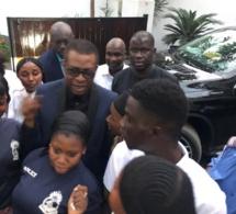 GAMBIE Serigne Abdourahmane Mbacké hote du roi Youssou Ndour;