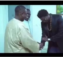Le rappeur Simon à Macky Sall « Deffal Loula Nekh Yaa Tey » Regardez le clip