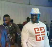 GAMBIE: Balla Gaye casse la baraque sur scène avec Pape Diouf. REGARDEZ