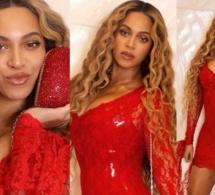 Beyonce fait monter la température dans une mini-robe rouge