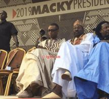 Arrivée de Youssou Ndour à la Promenade des Thiéssois