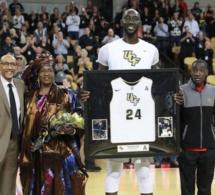 Le géant sénégalais, Elhadji Tacko Fall honoré par son université