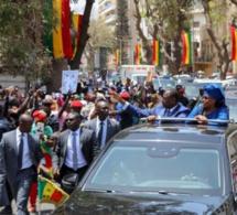 Place de l'indépendance : Macky et Marième Faye Sall accueillis en grande pompe