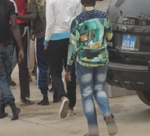 Défilé du 4 avril : Un individu chipe le portable de la femme du Colonel Diouf
