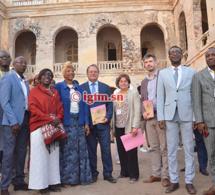 AFRIKA INNOVATION SUR LE FORUM DU TOURISME: L'ambassadeur de Belgique en visite à Gorée avec Youssou Ndour