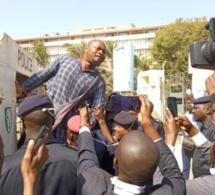 Assemblée nationale : Arrestation musclée de Guy Marius Sagna