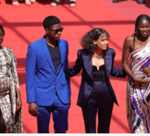 Festival de Cannes 2019: L'équipe du film ATLANTIQUE de Mati Diop monte les marches