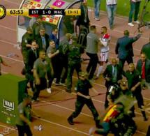Finale LDC CAF : un juge assistant sénégalais refuse un but au WAC, le match interrompu