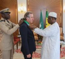 Diplomatie: S. E Christophe Bigot fait ses adieux à Macky Sall qui l'élève au rang de Commandeur...