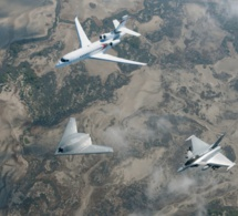 Des combattants sud-coréens tirent des centaines de coups de semonce sur un avion militaire russe