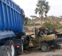 Un violent choc entre camion et un taxi-clando sur le chemin des ICS fait deux morts (Photo)