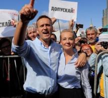La police russe fait une descente dans les maisons des militants de l'opposition, avant le rassemblement électoral à Moscou