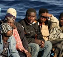 Italie : Salvini bloque plus de 130 migrants sur un navire des garde-côtes