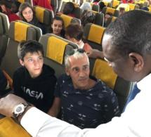 PHOTOS: Air Sénégal: le Président Macky Sall à destination de Paris. Un président à l'écoute des passagers
