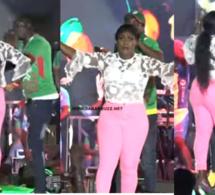 Vidéo: Ndiolé Tall fait feu au concert de Wally Seck